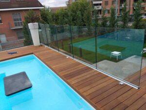 Read more about the article Parapetto per piscina